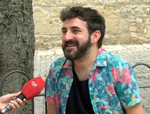 """Antonio Ufarte en el Magazine de Cyltv presentando """"Tras la piel"""""""